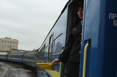 """""""Укрзализныця"""" назначила рекордное число дополнительных поездов"""