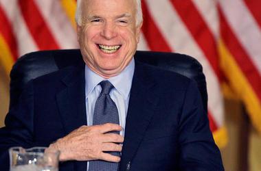 Маккейн намерен добиваться введения новых санкций против РФ