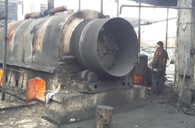 Под Киевом предприниматель загрязнял воздух, массово сжигая шины