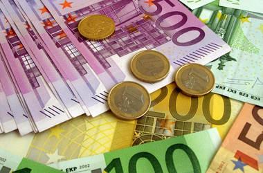 Итоги последней недели года: падение реальной зарплаты и новый транш от ЕС