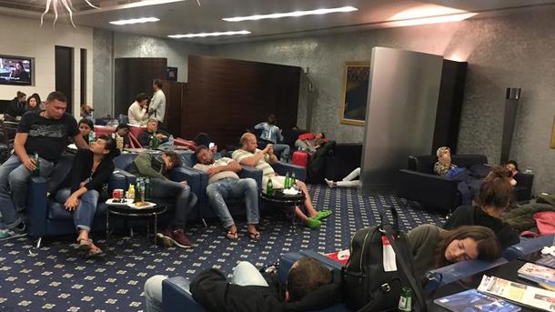 Около ста казахстанцев застряли ваэропорту Шарджи