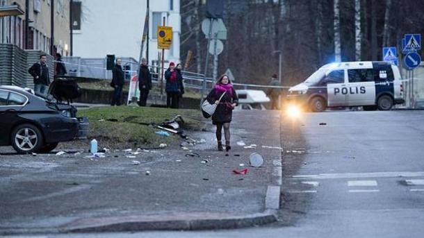 ВХельсинки машина протаранила толпу людей