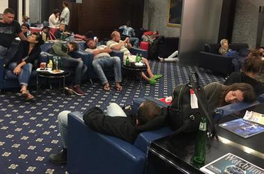 Застрявшие украинские туристы из улетели в Киев