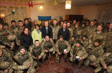 Порошенко рассказал, благодаря чему армия перешла на профессиональную основу