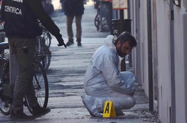 В центре Флоренции взорвалась бомба, ранен полицейский