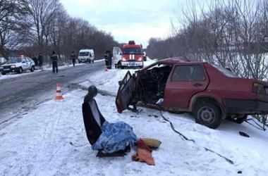 Жуткое ДТП под Полтавой: водитель погиб мгновенно