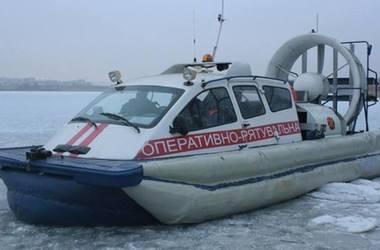 Под Киевом на льдине унесло шестерых рыбаков