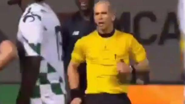 Судья удалил игрока «Порту» заслучайное столкновение сним