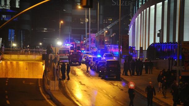 Водном изресторанов Стамбула прозвучала стрельба, есть раненые