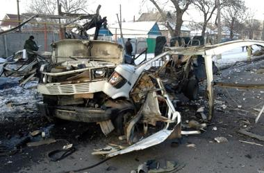 В Донецке автомобиль разорвало на части из-за взрыва