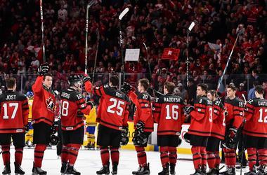 В финале молодежного чемпионата мира по хоккею сыграют Канада и США