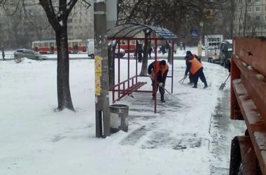 На Киев надвигается шторм: как вести себя при сильном ветре