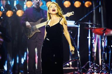 Тина Кароль не сдержала слез на концерте во Львове