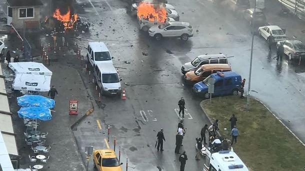 Взрыв втурецком Измире: три человека ранены