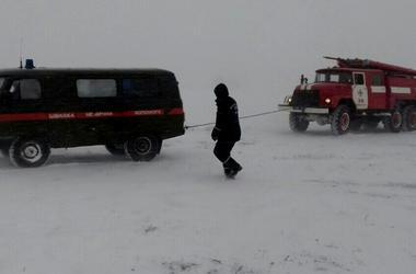 Снежный коллапс в Одесской области: какие дороги замело