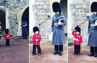 Малыш в гвардейском костюме растопил сердца британских гвардейцев