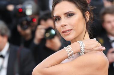 Модный бренд Виктории Бекхэм несет убытки, несмотря на финансовую помощь