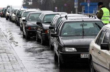 В очередях на границе с Польшей стоят 1,5 тысячи авто
