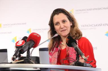 Порошенко и Климкин поздравили Христю Фриланд с назначением на должность главы МИД Канады