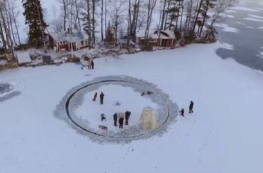 Ледяная карусель: как развлекаются финны во время морозов