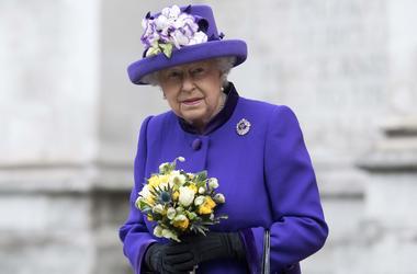 Сайт королевской семьи Британии опубликовал новость о смерти 90-летней Елизаветы II