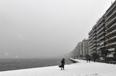 В Европе из-за морозов и снега погибли десятки человек
