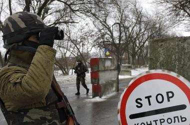 На Донбассе - огромные очереди на блокпостах