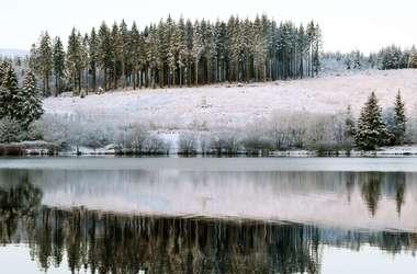 Особых погодных изменений синоптики украинцам не обещают