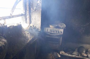 Боевики сожгли дом в Марьинке