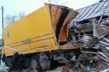 В Житомирской области грузовик разнес жилой дом