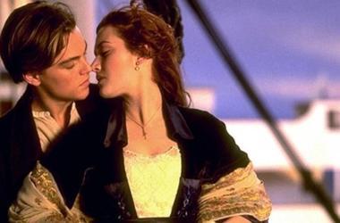 """Поцелуй в """"Титанике"""" признали лучшим за всю историю Голливуда"""