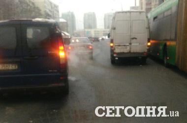 В Киеве столкнулись три машины