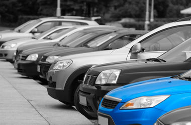 Украинцы резко бросились скупать б/у автомобили