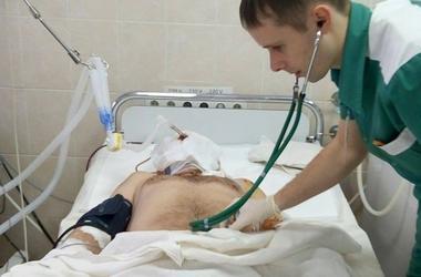 Не узнала родная мать: врачи рассказали о страшных ранах бойца с Донбасса