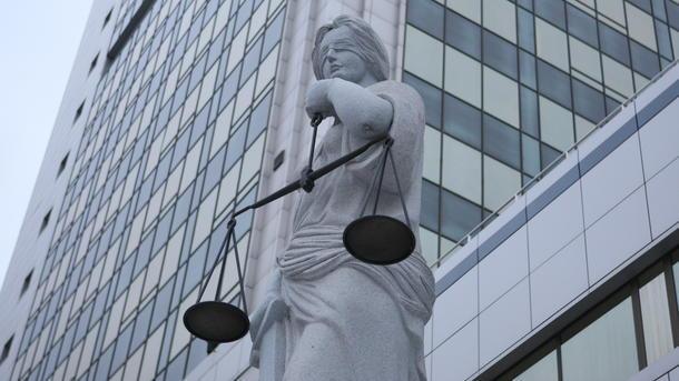 Судью-миллионера Емельянова, пытающегося попасть вВерховный суд, отстранили отдолжности