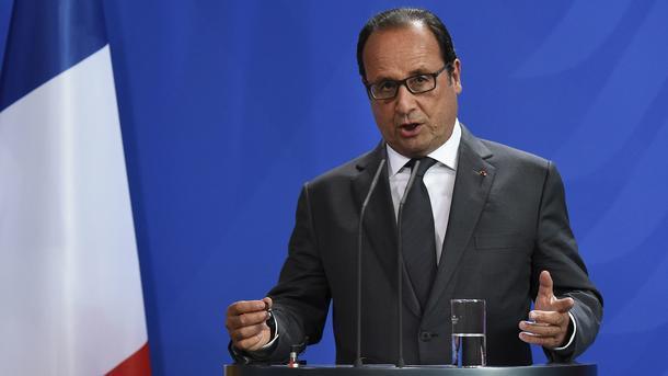 Олланд: регулярно повторять онеобходимости разговора сРоссией недостаточно