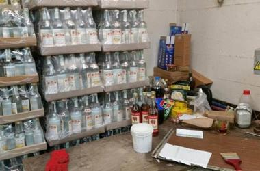 В Одессе СБУ накрыла подпольный цех по производству алкоголя