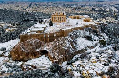 Редкое видео: афинский акрополь в снегу