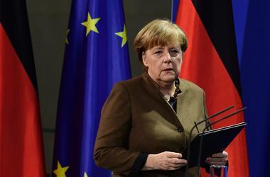 Меркель предупредила ЕС, что поддержка США с приходом Трампа может исчезнуть