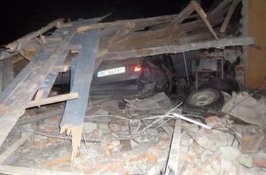Во Львовской области взорвался автомобиль: пострадали отец и сын