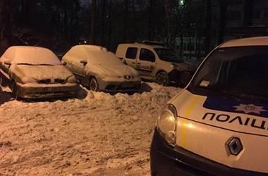 В Киеве двое пьяных мужчин избили курьера и забрали у него пиццу