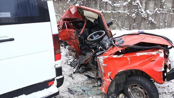 Вужасном ДТП пострадали семь человек