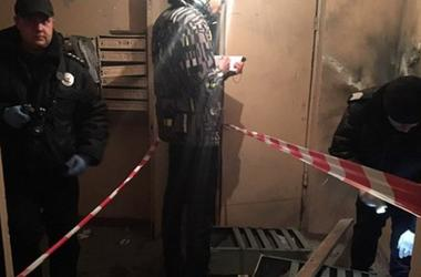 Подробности взрыва в киевской многоэтажке: гранату подложили в почтовый ящик известного догхантера