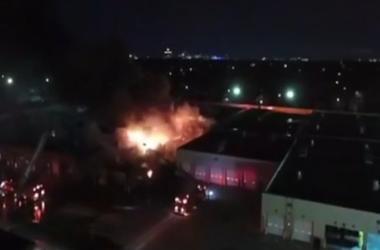 В США прогремел взрыв на автовокзале, который перерос в масштабный пожар