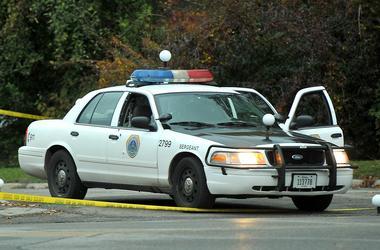 В США обнаженная женщина угнала полицейскую машину