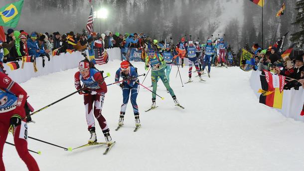 Неменее 170 биатлонистов потребовали отIBU смелых действий подопинговым скандалам