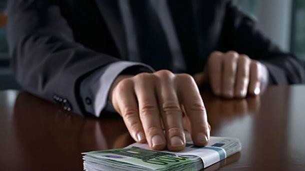 Пограничник погорел на взятке. Фото: inforesist.org