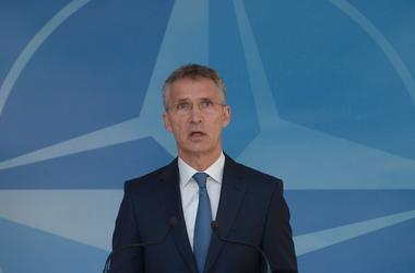 Столтенберг ответил на критику Трампа в адрес НАТО
