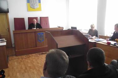 В Киеве судят чиновника, присвоившего более миллиона гривен