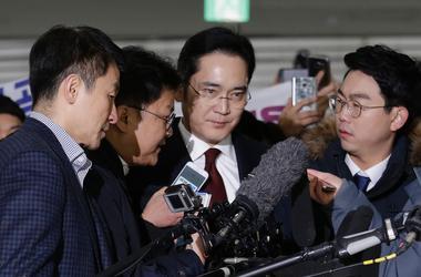 Вице-председателя Samsung хотят арестовать: подробности скандала в Корее